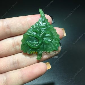 Mặt Dây Chữ Om Ngọc Bích Nephrite Jade (MD168)